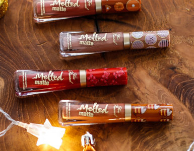 Make-up mania: The Sweet Smell of Christmas by Too Faced